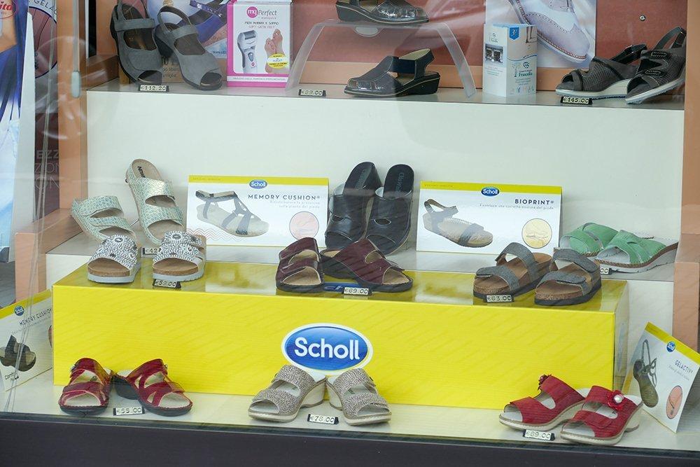 scarpe dr school