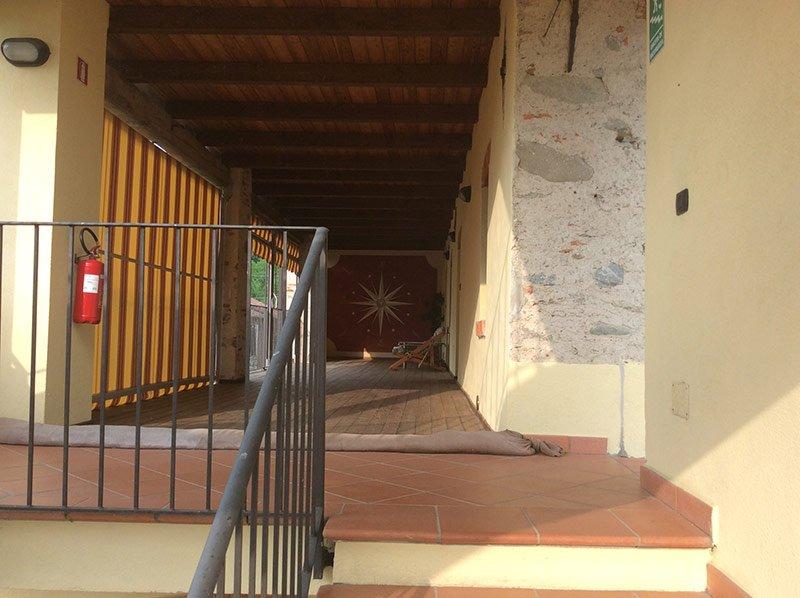 scale che portano all'area relax