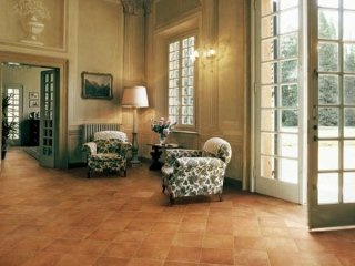 Pulizia pavimenti in ceramica e gres