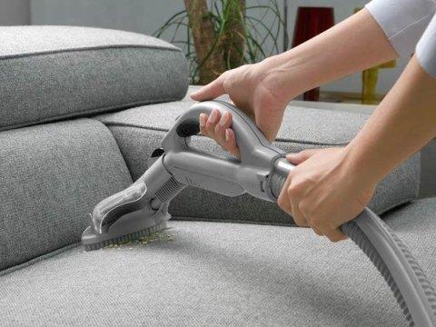 Pulizia divani e tappeti