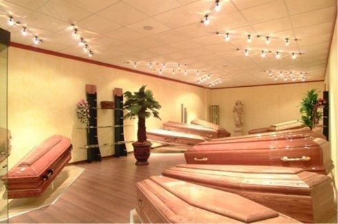servizi funebri completi, urne cinerarie, arte funeraria