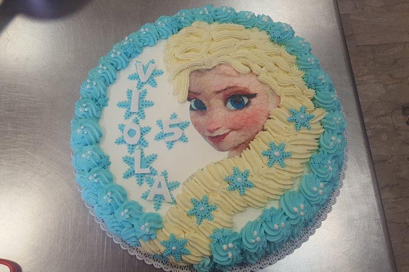 torta con Elsa cartone Frozen