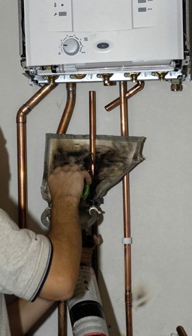 Plumbing and heating services - Bournville, Birmingham - G.L Plumbing & Heating - Repairing Heater