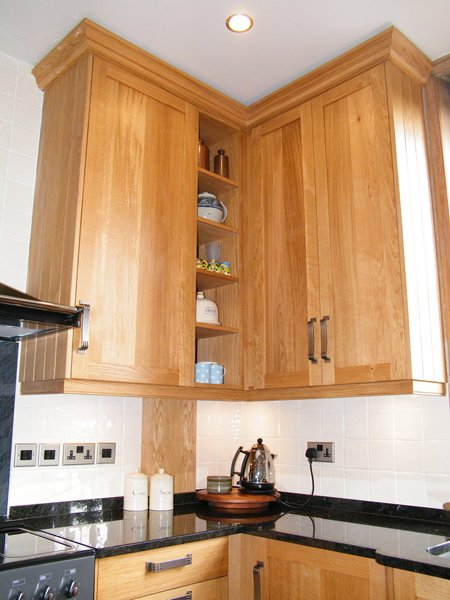 Fitted corner cabinets