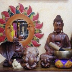 statue sacre e astratte