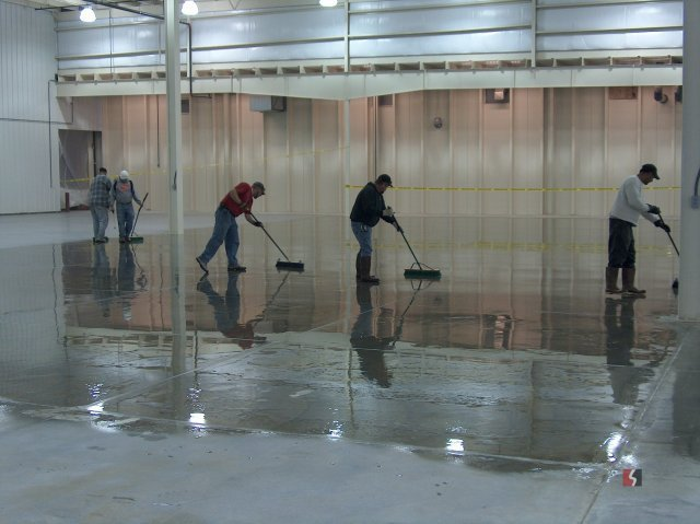 Professional polishing the floor in Lincoln, NE