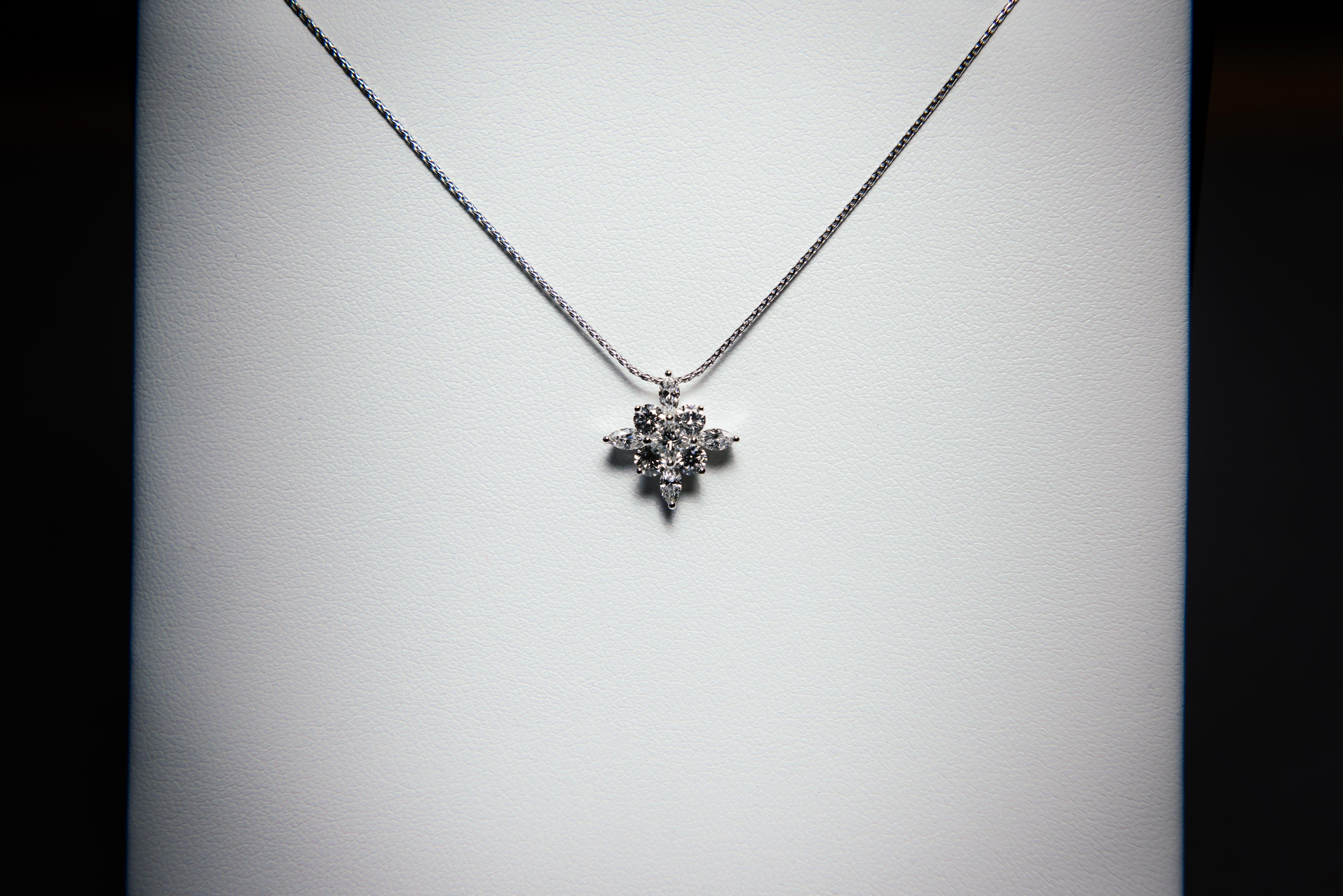 A stunning pendant