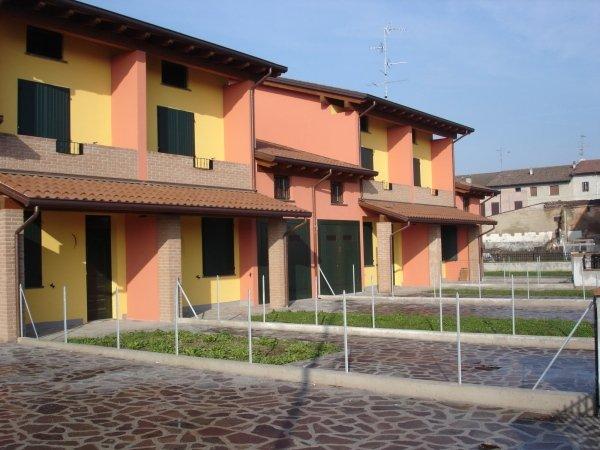 case a scheira San Giacomo GUASTALLA