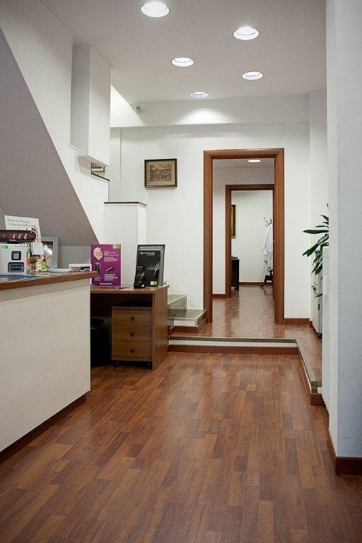 Centro applicazione protesi acustiche