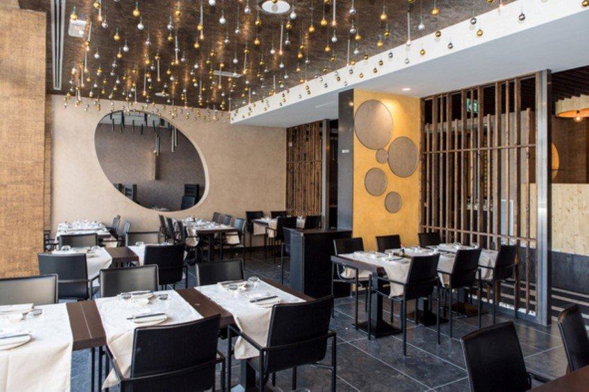 Vista tavoli e interior design al ristorante Il Paradiso Del Sushi a Pavia