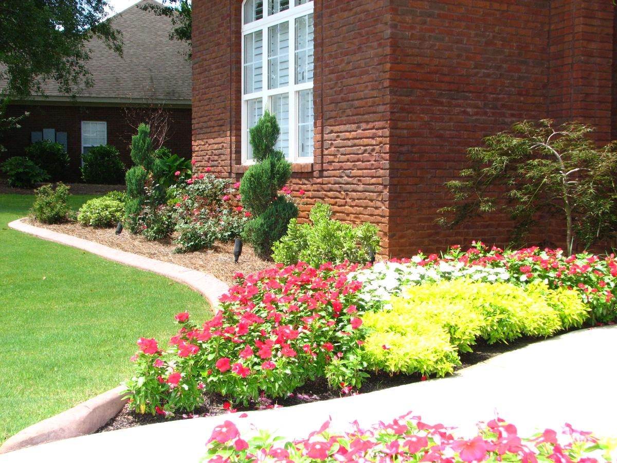 Color dothan troy enterprise al trawick gardens for Landscaping rocks dothan al
