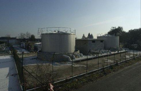 Stazione di pompaggio antincendio completa di serbatoi di accumulo in acciaio inox per impianti splinker-idranti