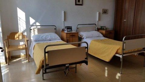 due letti singoli nella residenza per anziani autosufficienti