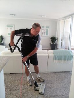 mark sparkle cleaning carpet vaccum