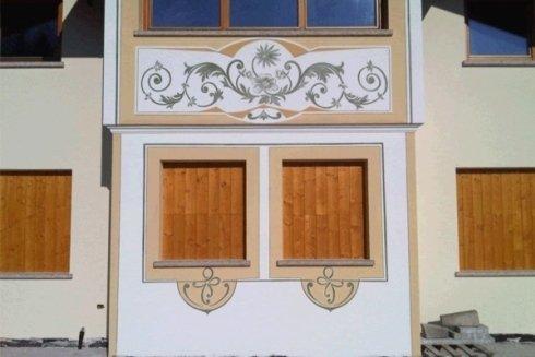Cornici per finestre.