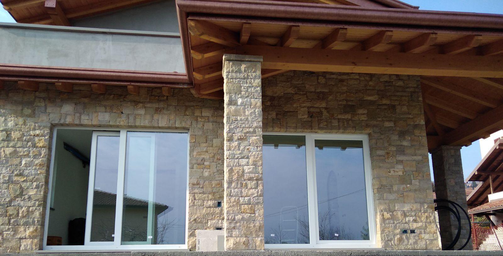 Serramenti e infissi in pvc porte da interno finestre for Serramenti in pvc brescia prezzi