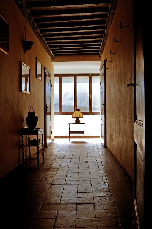 corridoio con finestre
