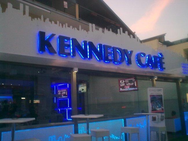 Vista ingresso Kennedy cafè