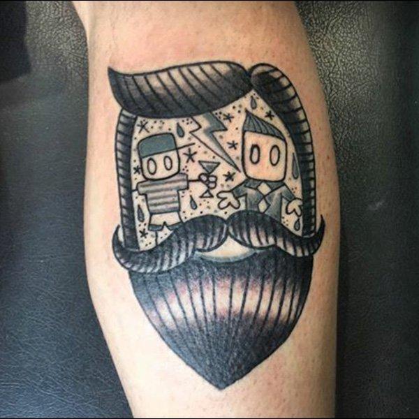 tatuaggio di un uomo con barba