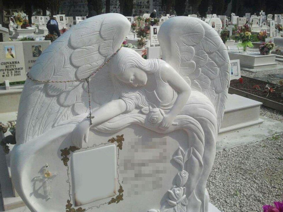 lapide con angelo