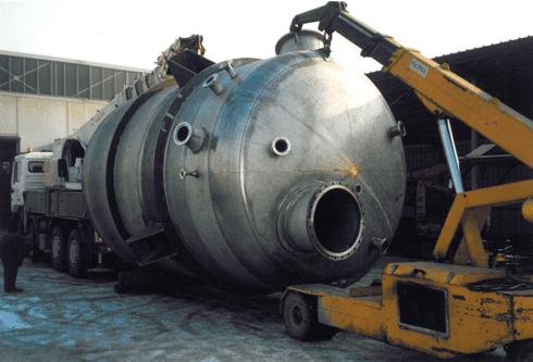 40---reattore-con-serpentino-ed-esterno-per-l
