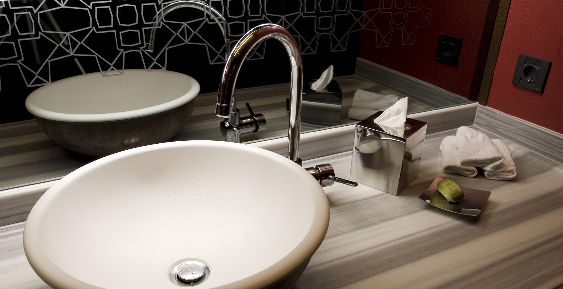lavabo semicircolare