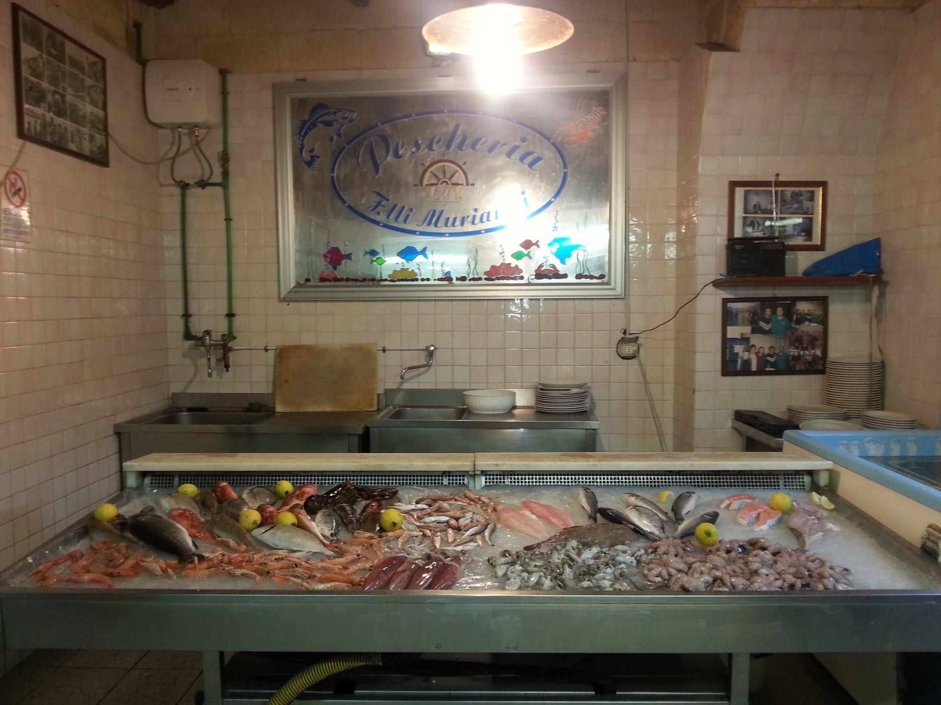 pesce crudo a Taranto