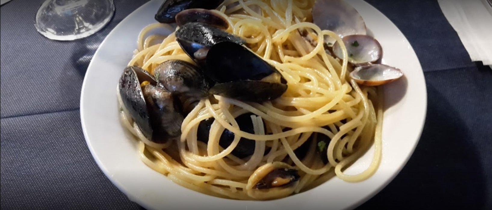 spaghetti con le cozze a Taranto