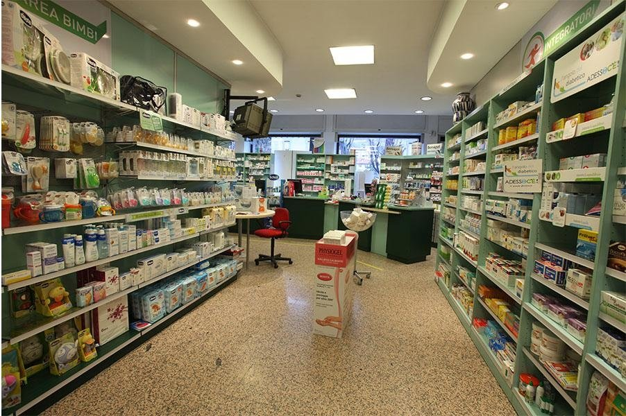 Interni Farmacia Aosta 1