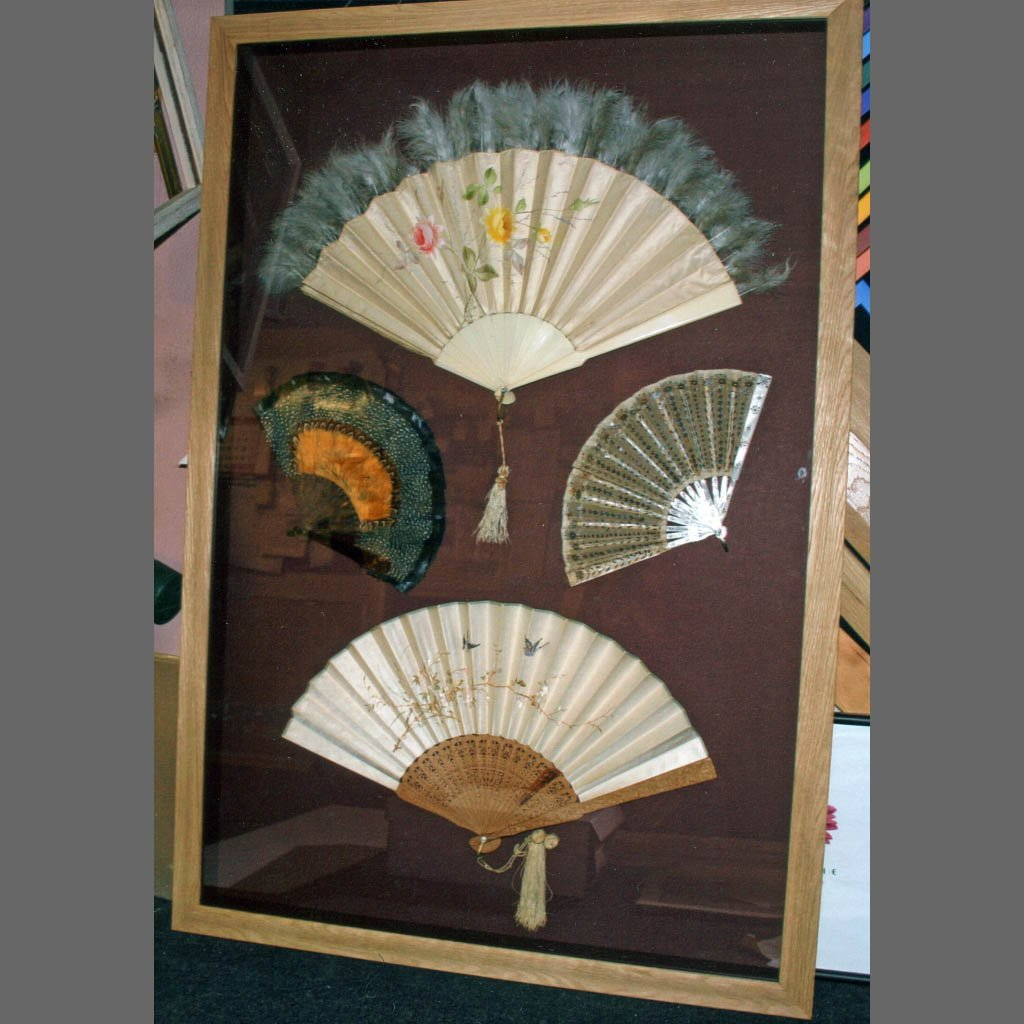 Framing Japanese fan