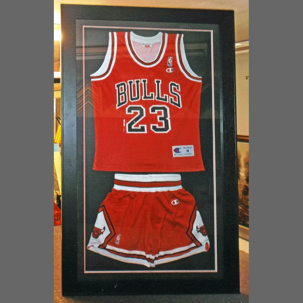 Framing of sports clothing