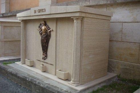 tomba di famiglia conclusa