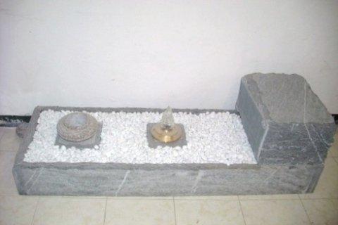 lettino in pietra