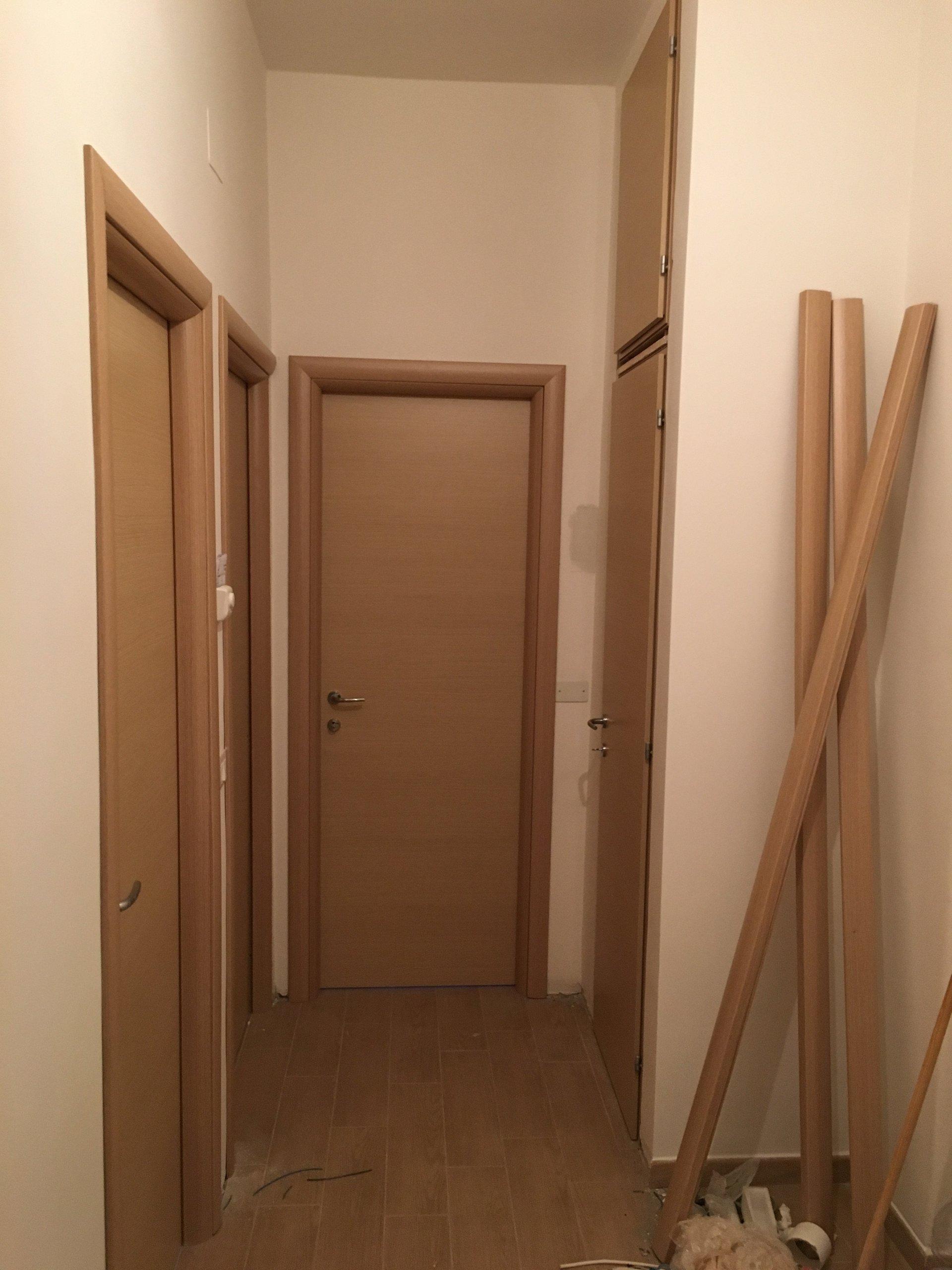 porte interne in legno chiaro