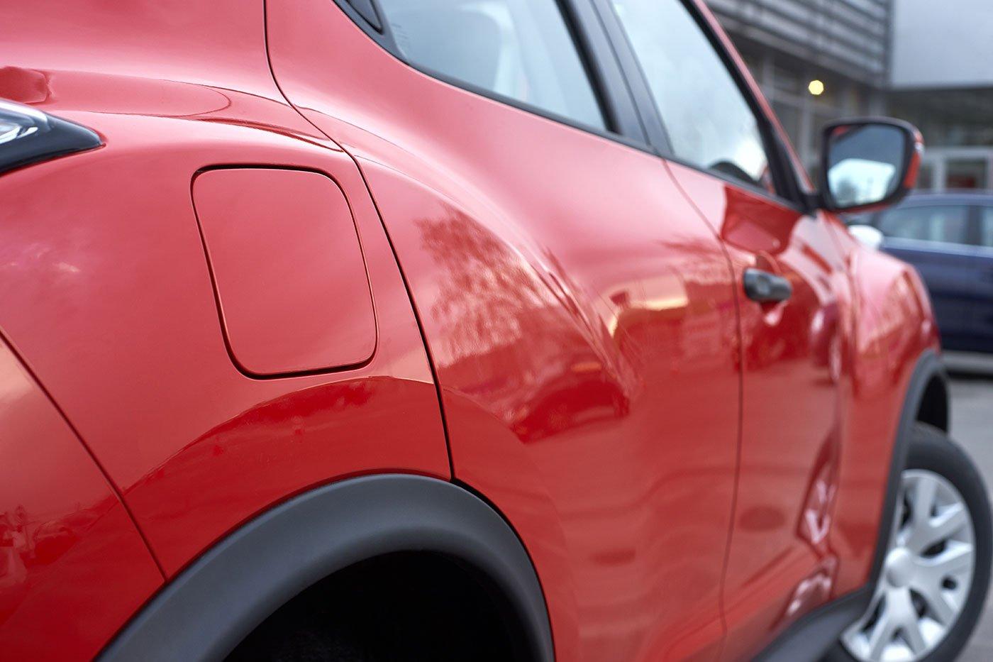 serbatoio esterno macchina rossa