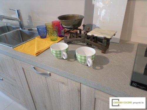 piano cucina e doppi lavandini