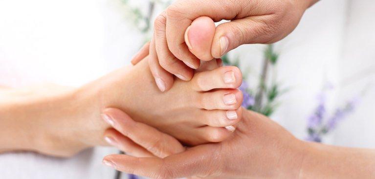 chiropractic clinic flat feet