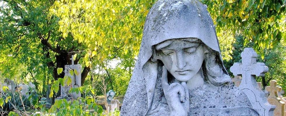 statua funebre