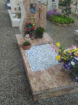 Realizzazioni lapidi funerarie