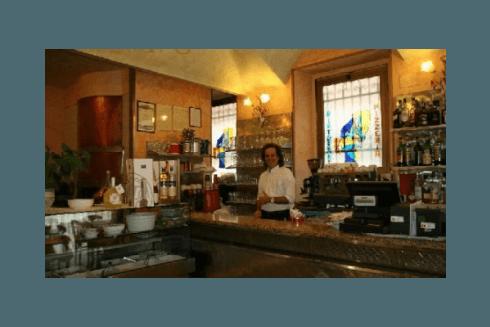 Il Ristorante Pizzeria Pace presta anche servizio di bar con bevande alcoliche ed analcoliche.