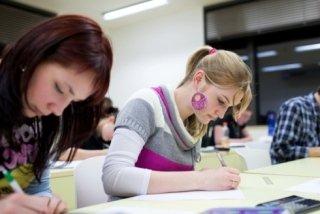Gli esami si svolgono in sede con una Commissione Regionale.