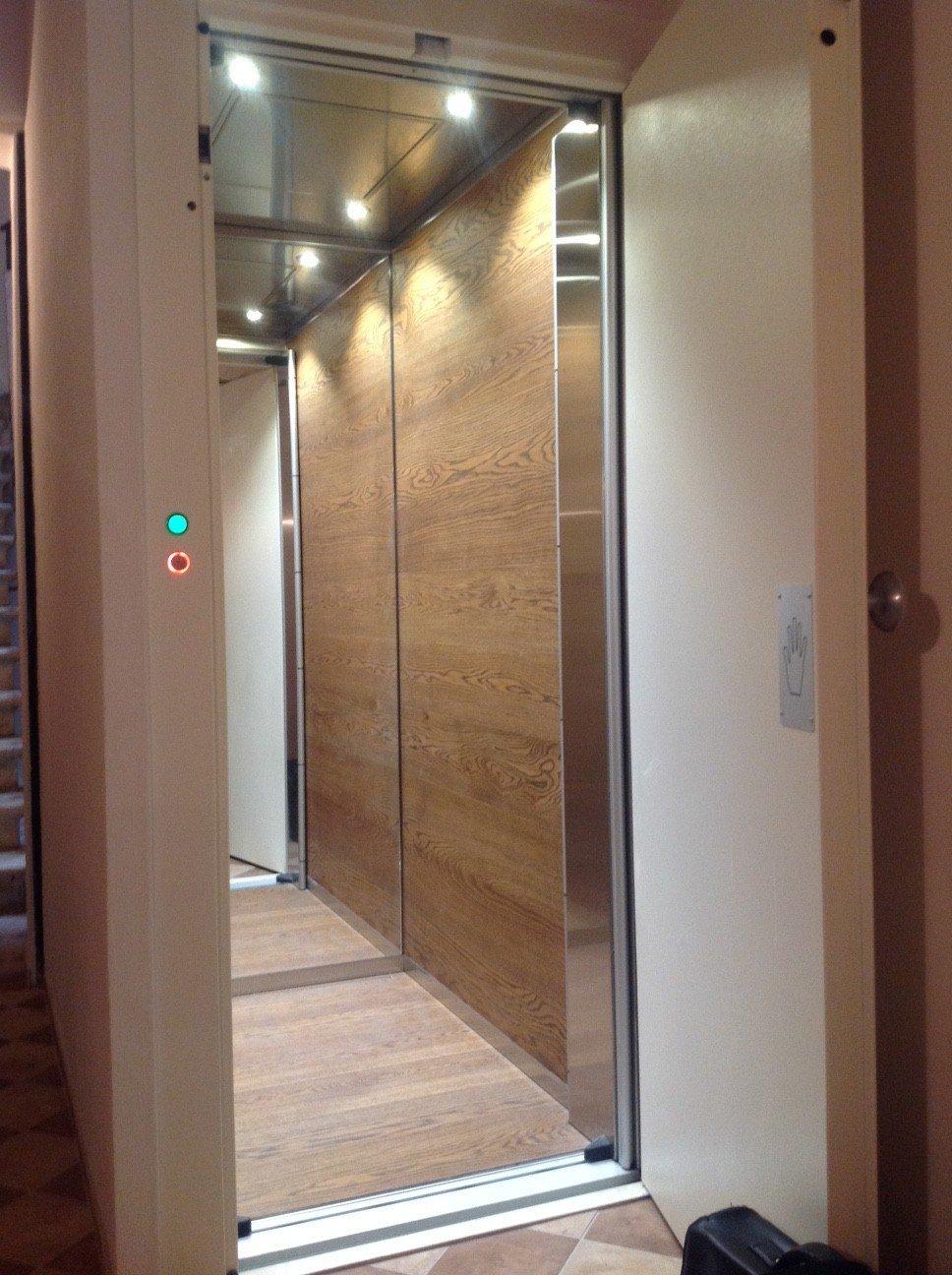 pulsante ascensore