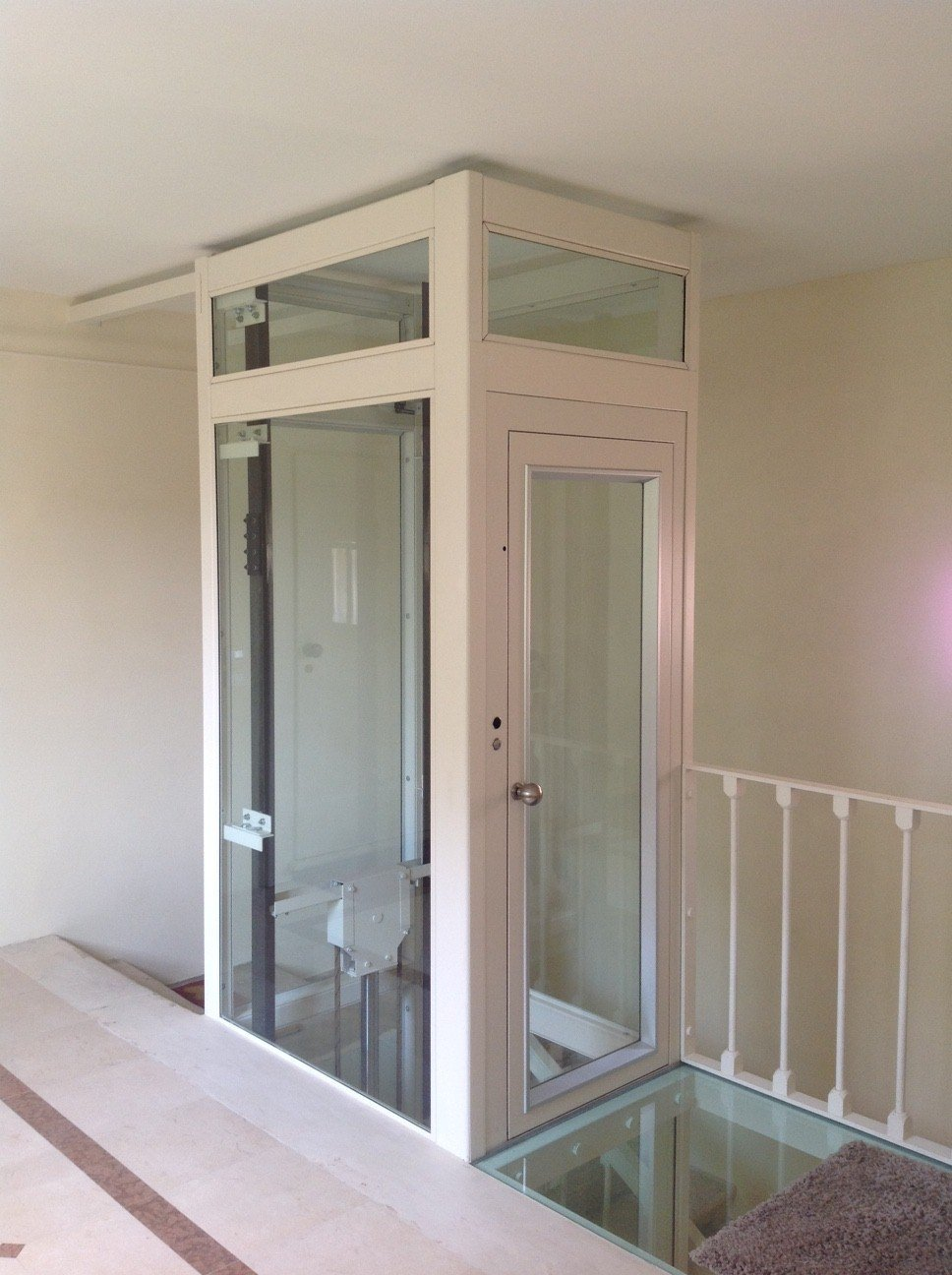 ascensore trasparente esterno-vista frontale