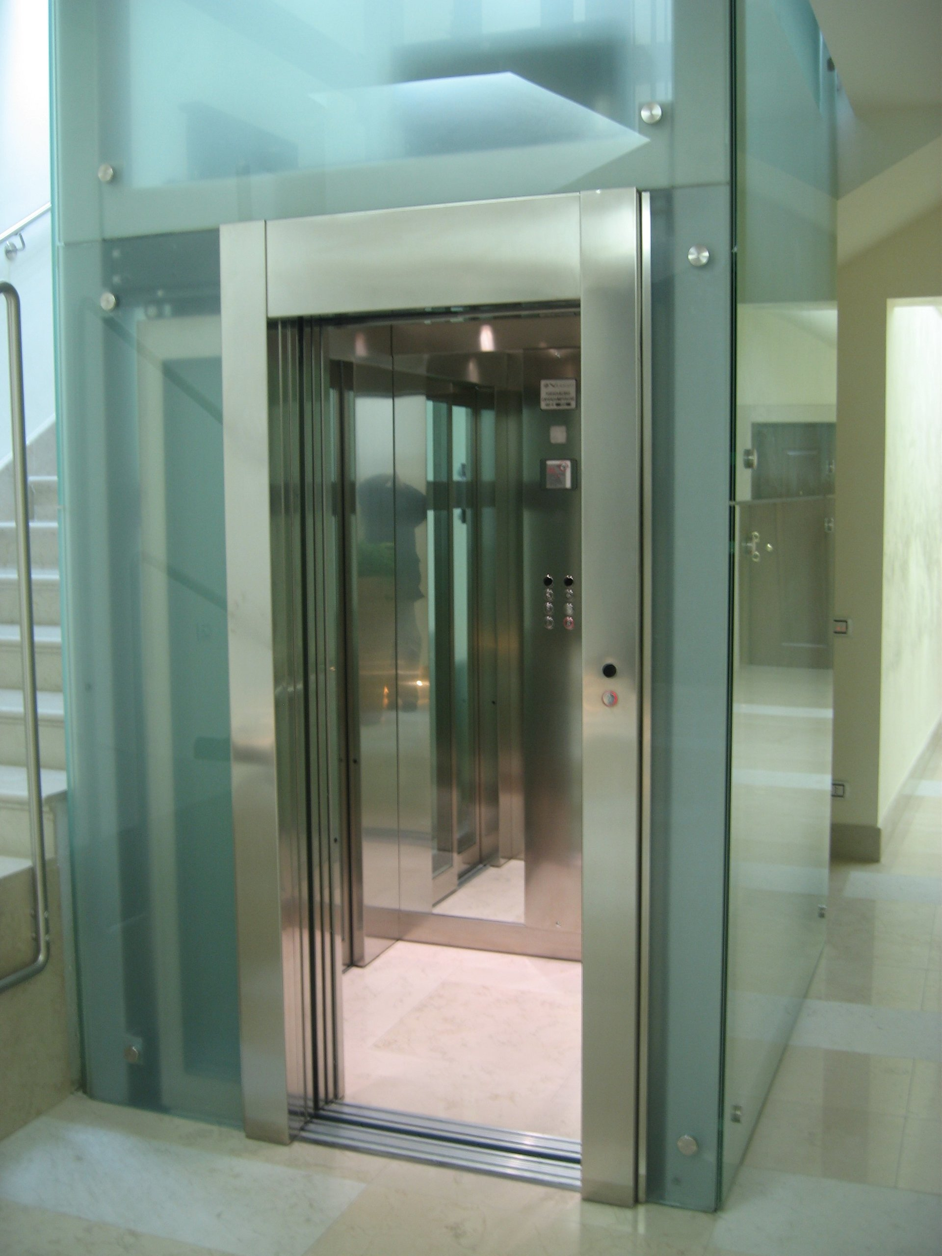 Montaggio ascensori mestrino pd vergati ascensori - Costo ascensore interno 3 piani ...