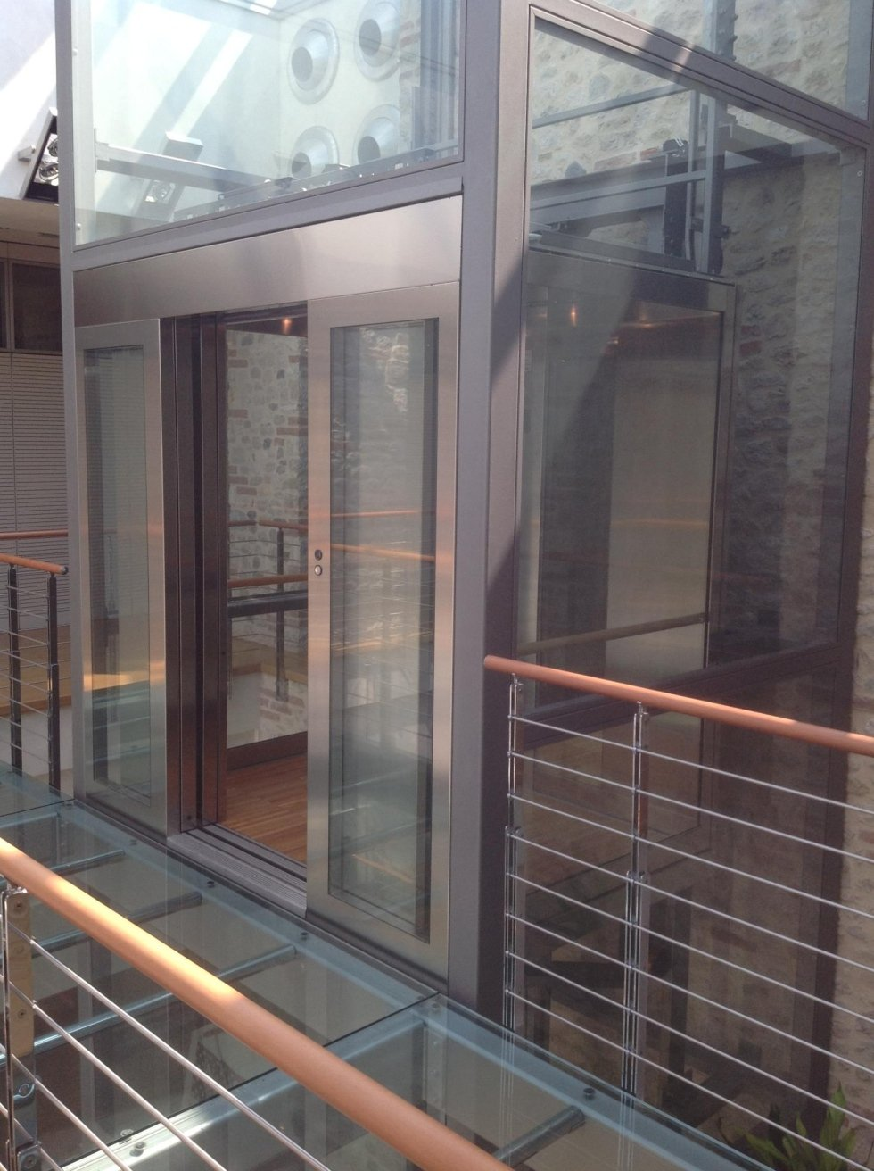 grande ascensore panoramico in vetro