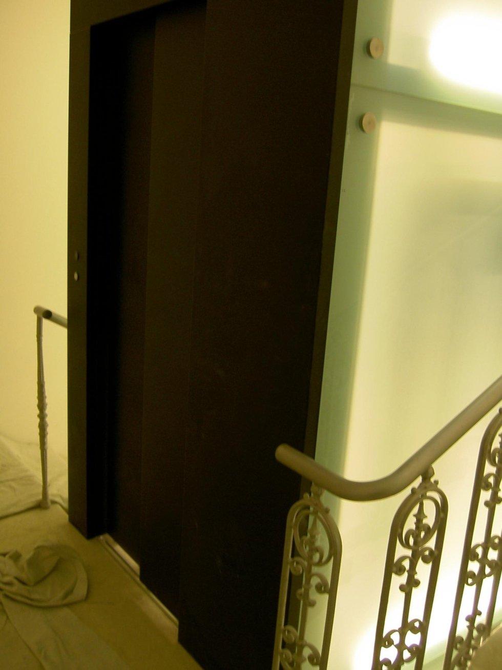 porte di entrata di un ascensore