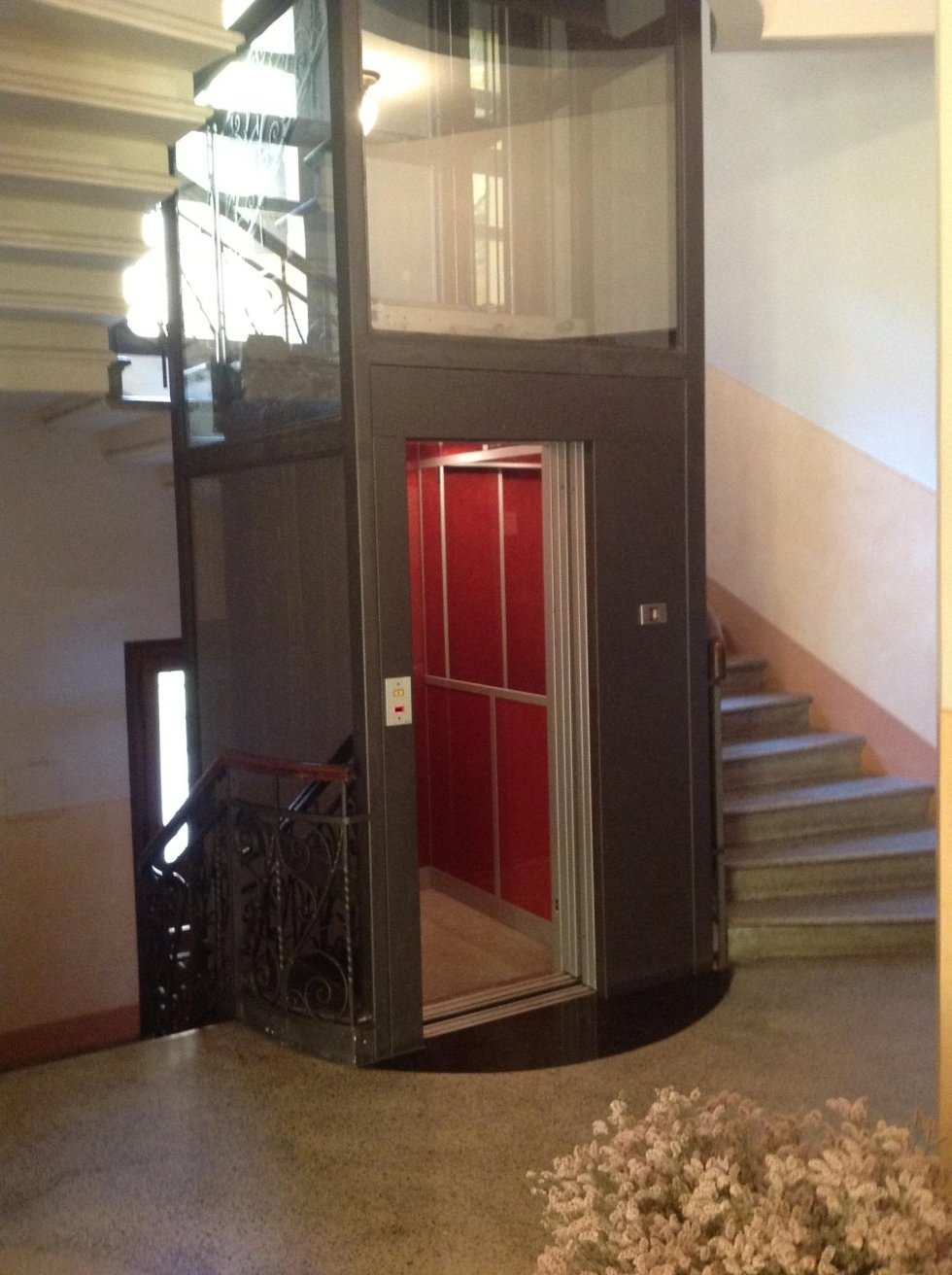 ascensore con incastellatura con vetro trasparente-vista interna