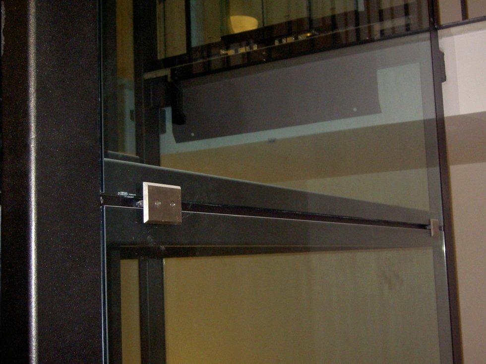 borchie per fissaggio vetro in acciaio inox