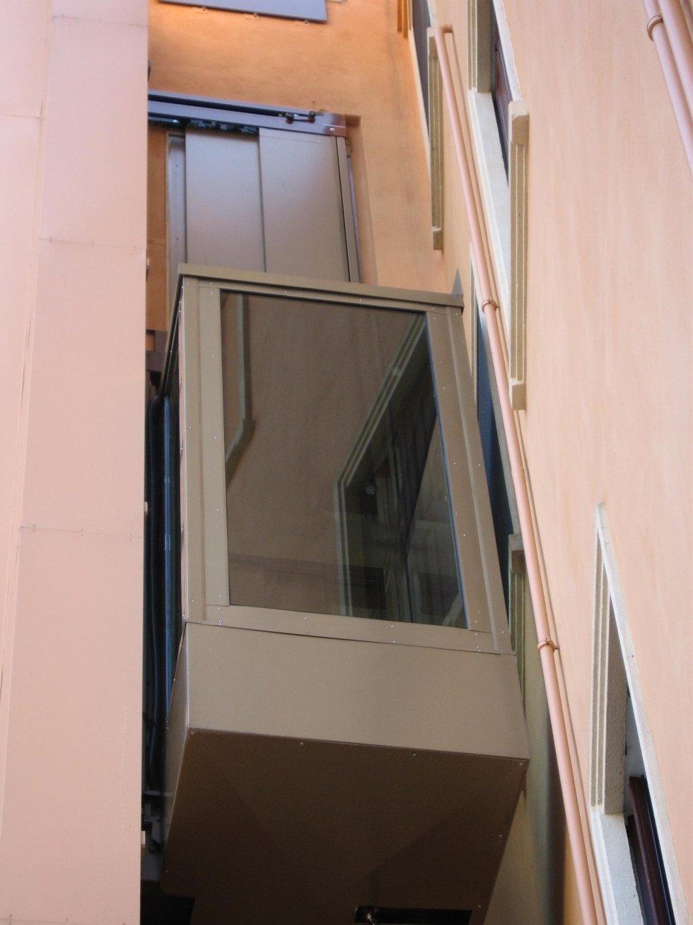 Ascensore panoramico in abitazione privata