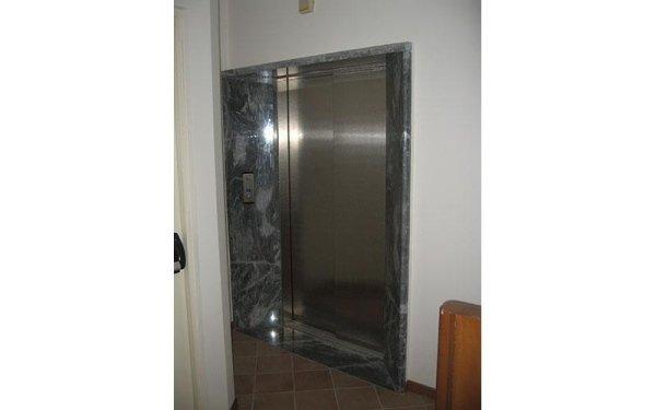 pronto soccorso ascensori-vista laterale